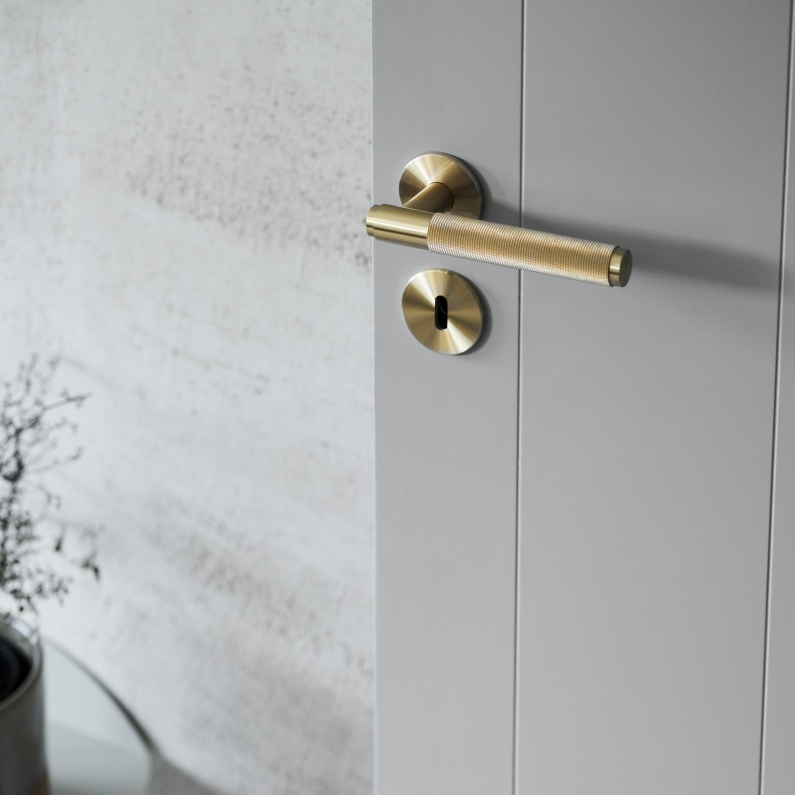 innerdörr-lines-grå-dörrhandtag-buster-punch-njord