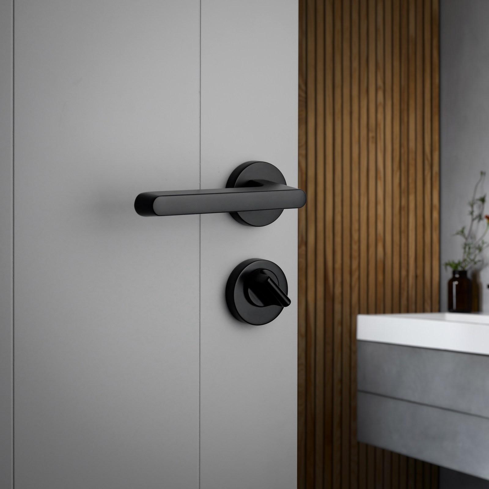 dörrhandtag-tavira-svart-beslag-design-njord